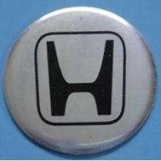 Аксессуары Наклейка на диск Honda D56 аллюминий, выпуклый (красный логотип на серебристом фоне)