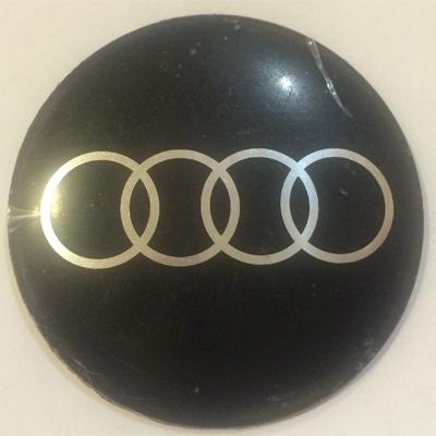 Аксессуары Наклейка на диск Audi 52 выпуклый черный