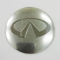Аксессуары Наклейка на диск Infiniti D56 мм (Хромированный логотип на серебристом фоне)