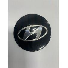 Аксессуары Наклейки Hyundai D56 алюминий (Серебристый логотип на черном фоне)